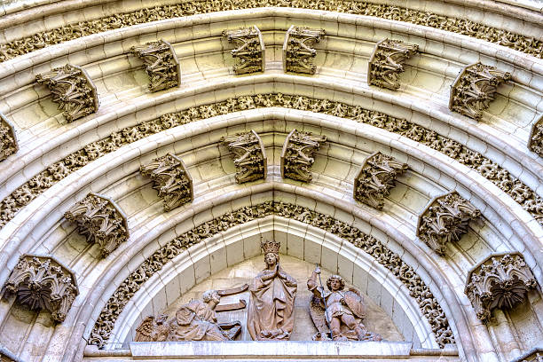 seville cathedral (catedral de sevilla) - carlosanchezpereyra fotografías e imágenes de stock