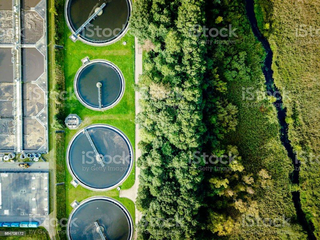 Planta de tratamiento de aguas residuales - foto de stock