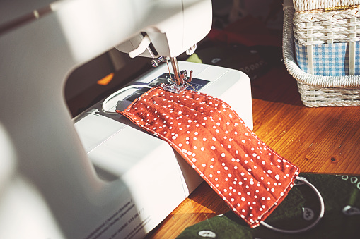 Sewing accessories to sew a face mask