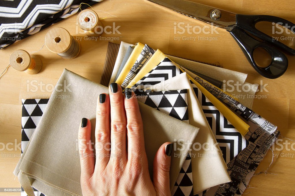 Швейные инструменты и оборудование стоковое фото