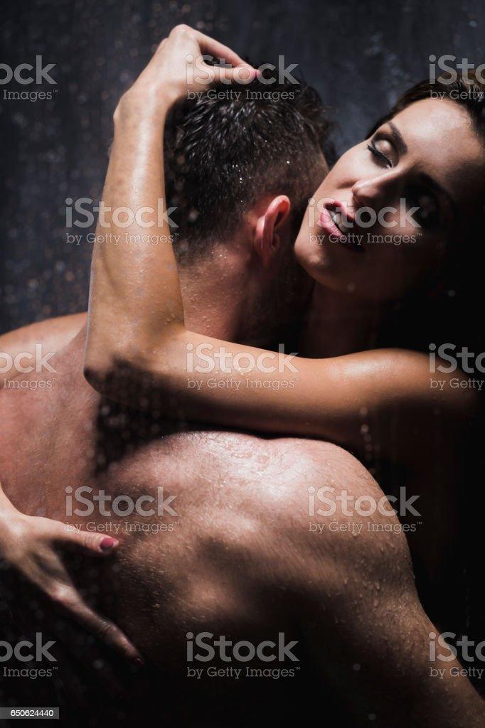 Sexo Bajo La Ducha Foto de stock y más banco de imágenes de ...