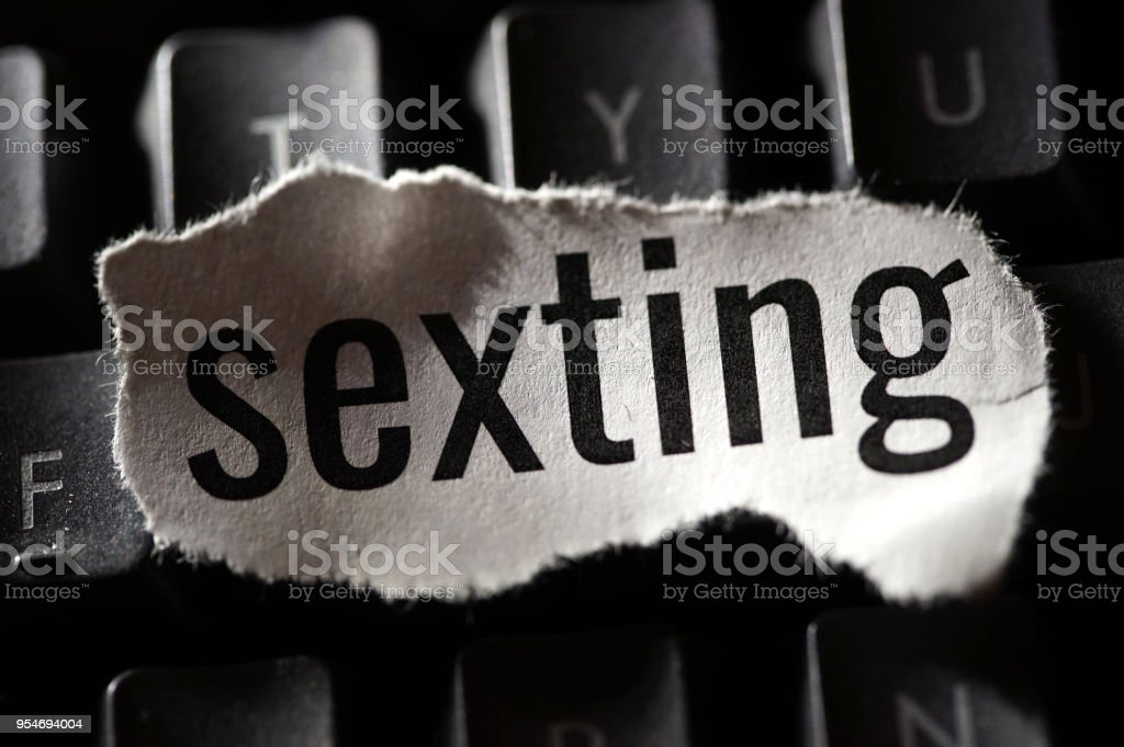 Internet dating sexting