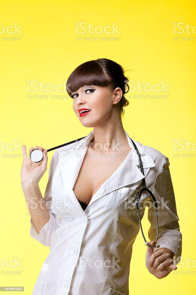 Sexuelle Frau im Anzug Krankenschwester mit Stethoskop – Foto
