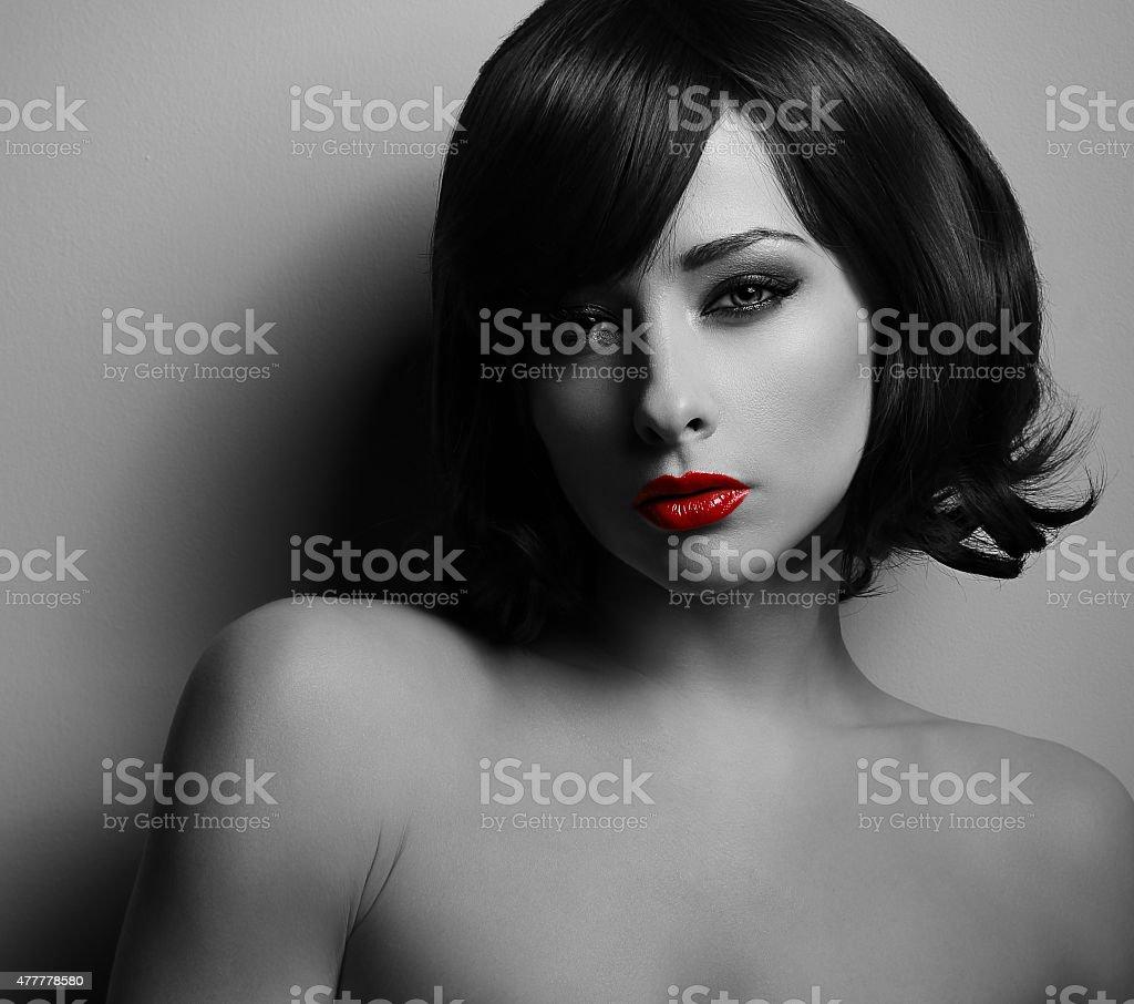 Seks z czarnymi włosami
