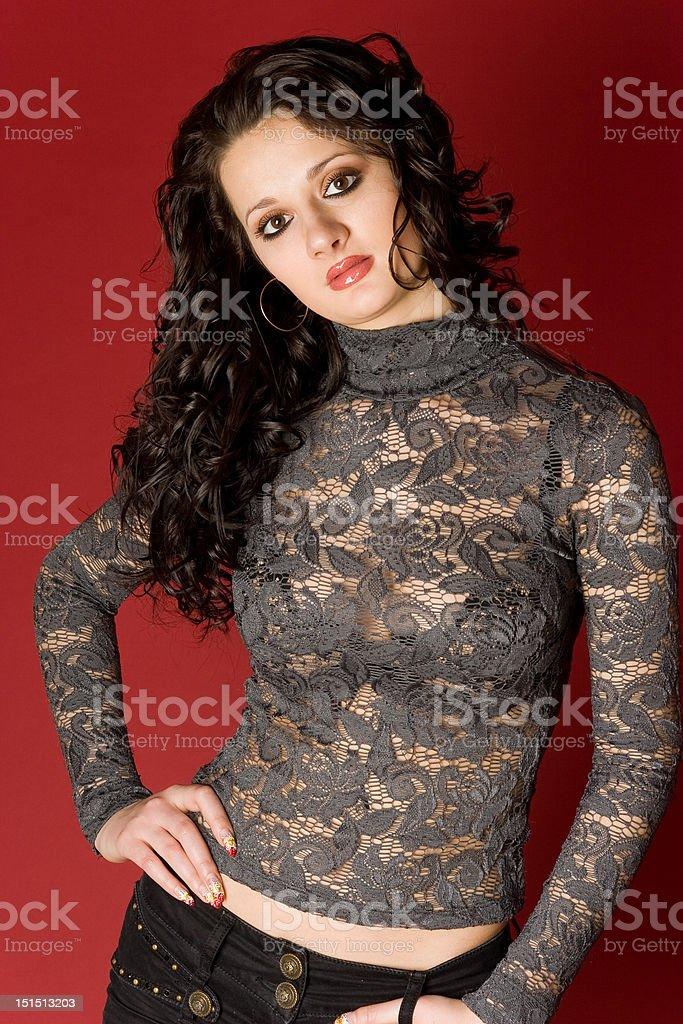 Сексуальная женщина в облегающей одежде