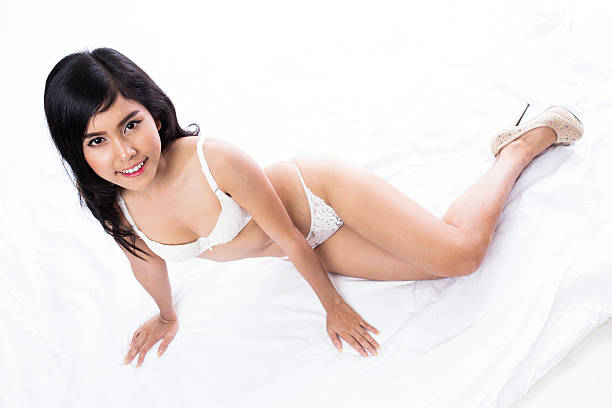 asian-thongs-sexy-girls-busty-anderson-actress