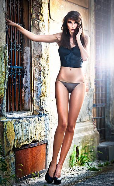 girl-nude-poses-wallpaper