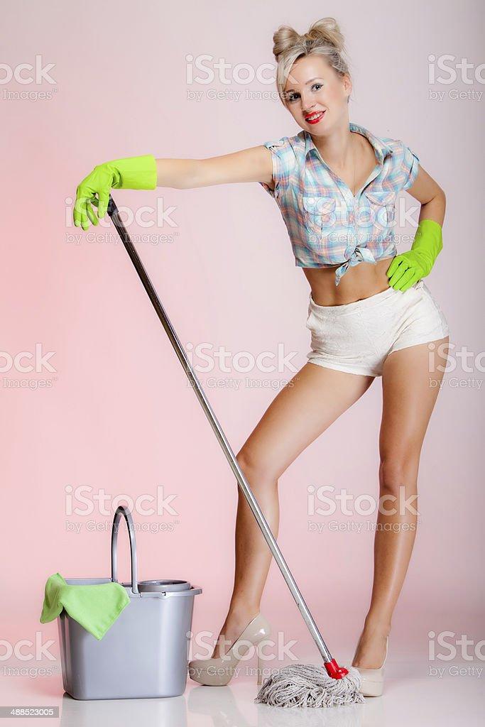 Chica sexy limpiando [PUNIQRANDLINE-(au-dating-names.txt) 29
