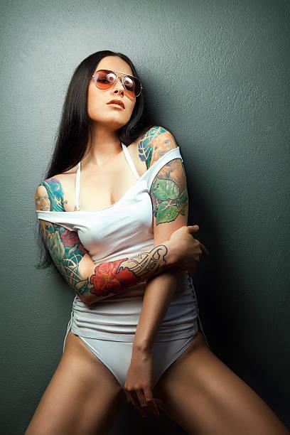 Chicas Tatuadas Sexy Banco De Fotos E Imágenes De Stock