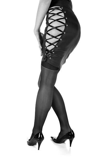 sexy beine - nails stiletto stock-fotos und bilder