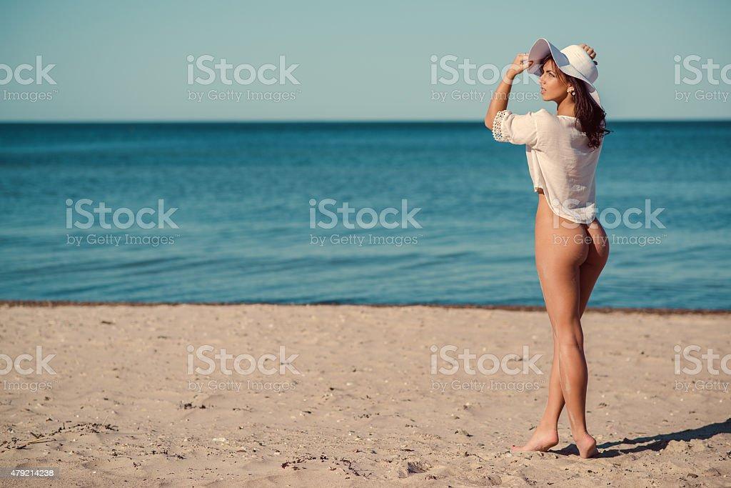nackt am strand deutsch