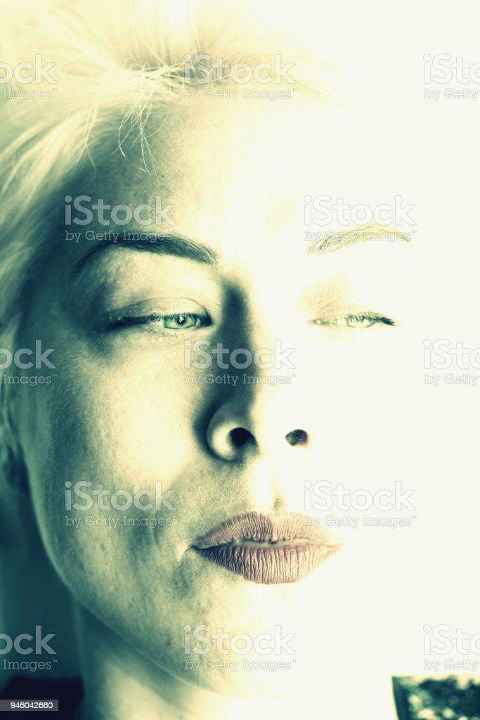 Sexy Portrait eine kurzhaarige Frau – Foto