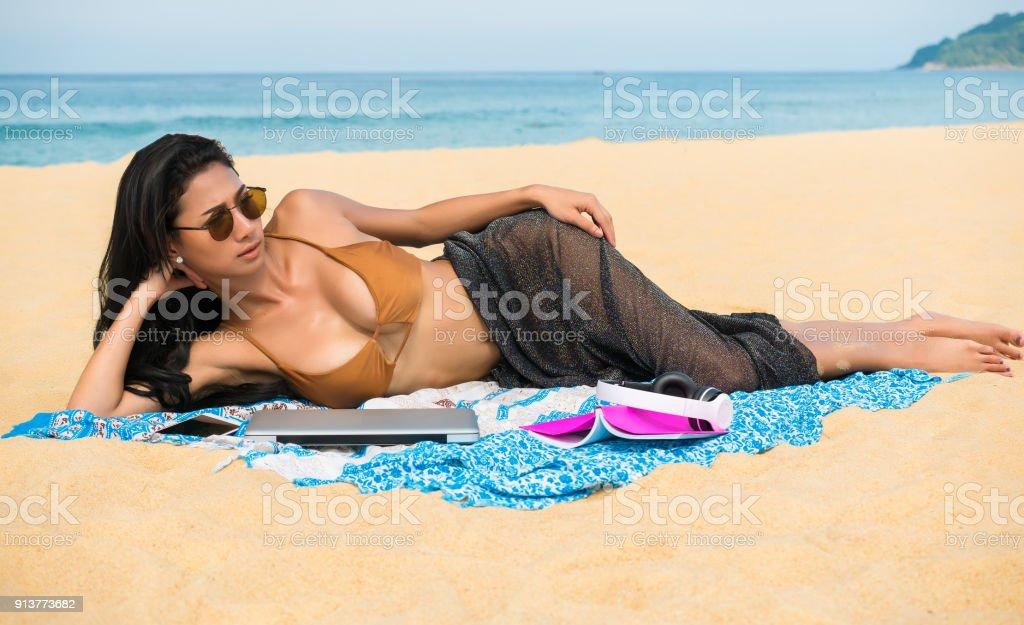 Sun bathing lesbians