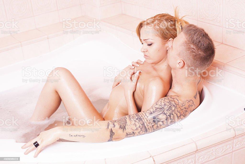 Секс Молодых Пар В Ванной