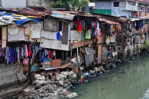 Hütte voll Banken-Estero de San Lazaro Kanal. Chinatown Binondo, Manila, Philippinen-1010 – Foto