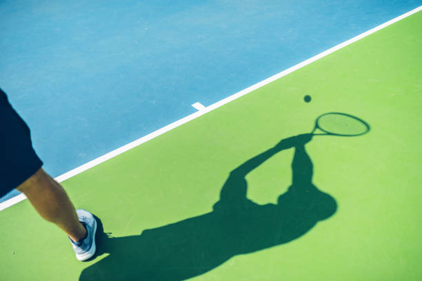 Schatten des Profi-Tennisspieler In Aktion – Foto