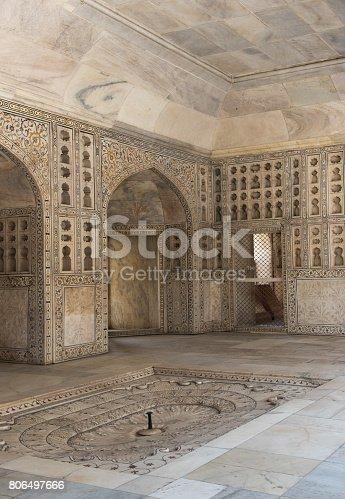 istock Shah Burj Pavilion with fountain, Musamman Burj, Agra Fort, Agra India 806497666