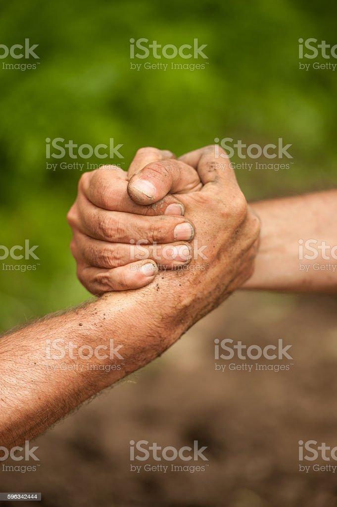 Beim Händeschütteln Lizenzfreies stock-foto
