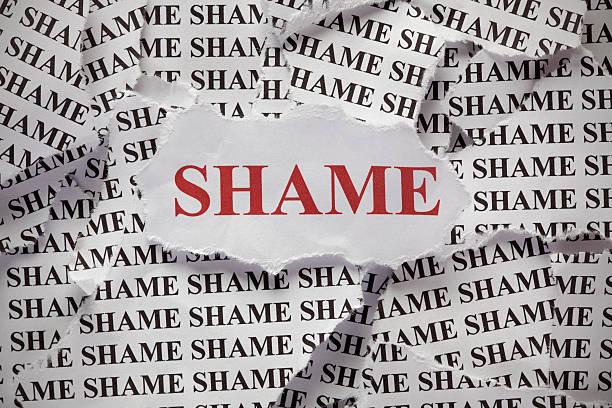 vergüenza - vergüenza fotografías e imágenes de stock
