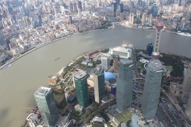 Las vistas de Shangai desde la cima. - foto de stock