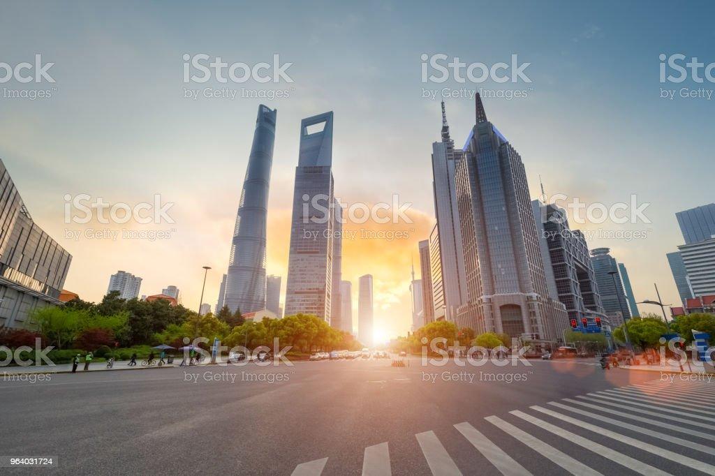 上海世紀大通りサンセット - アジア大陸のロイヤリティフリーストックフォト