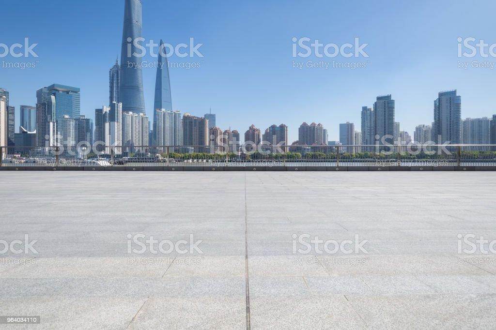 上海の空床と都市の景観 - からっぽのロイヤリティフリーストックフォト