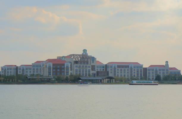 Shanghai disneyland resort china picture id684918748?b=1&k=6&m=684918748&s=612x612&w=0&h=mvu2sivewdthap3uk8zjqy6qe9a3h tcyzaau9te3tq=