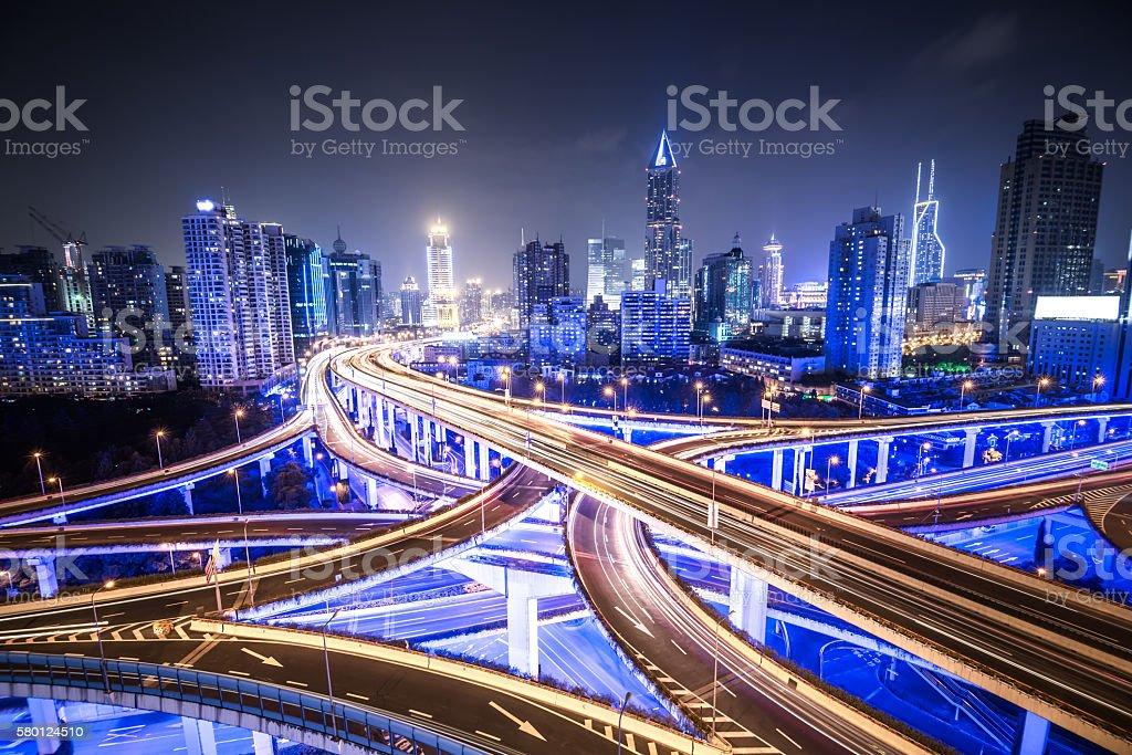 Shanghai Highway bei Nacht – Foto