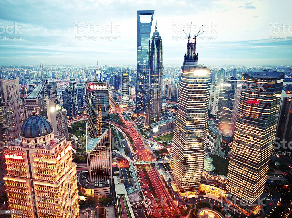 skyline von Shanghai bei Nacht – Foto