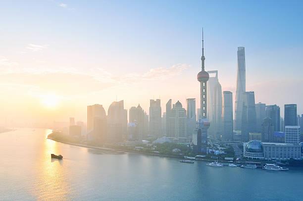 shanghai skyline in the morning, shanghai - shanghaï photos et images de collection