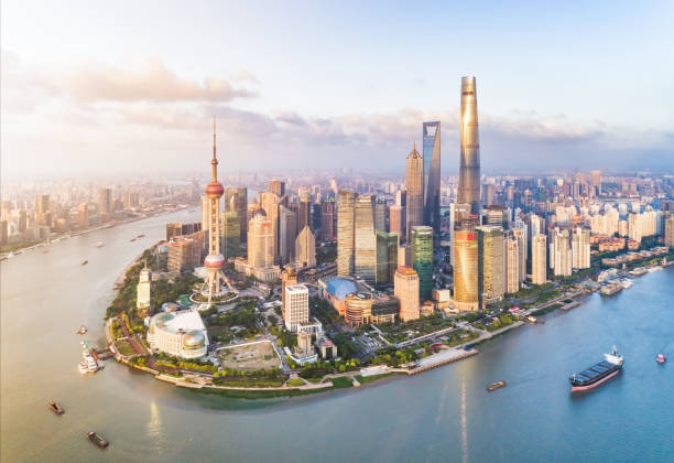 Shanghai Skyline Sunset Shanghai Skyline Sunset huangpu river stock pictures, royalty-free photos & images