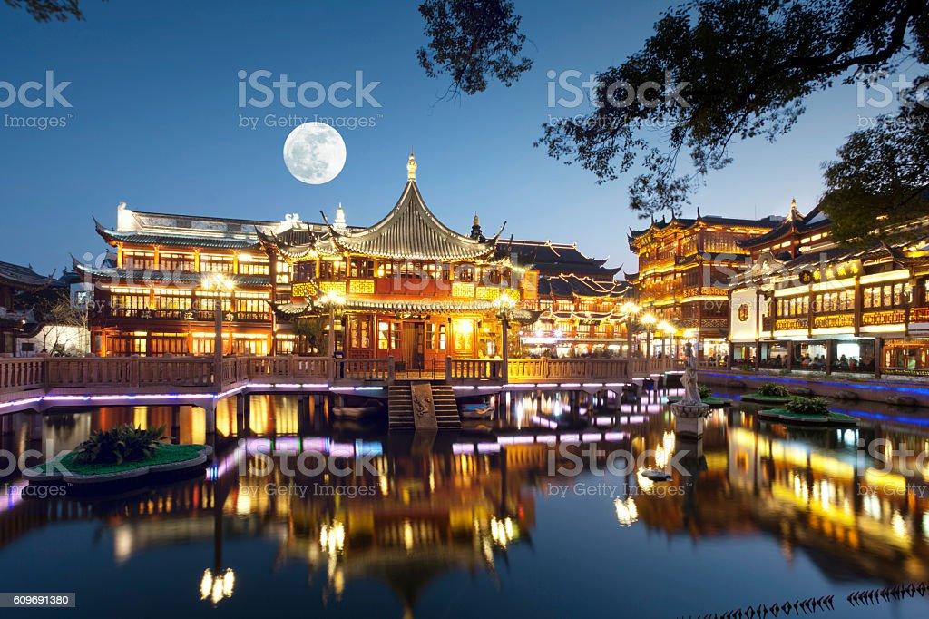 Shanghai Yu yuan gardens at night. stock photo