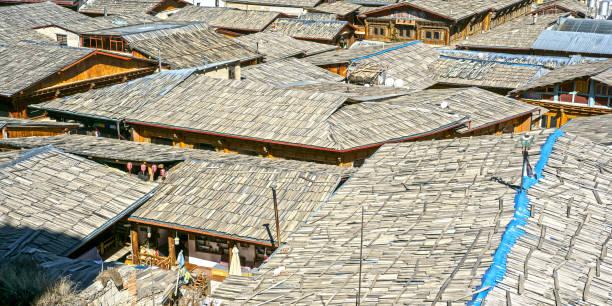 shangri-la und das dach der welt - havadi-nagy stock-fotos und bilder