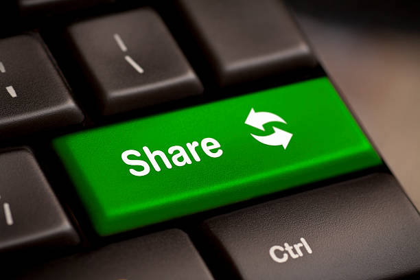 """""""teilen"""" -schaltfläche key - scyther5 stock-fotos und bilder"""