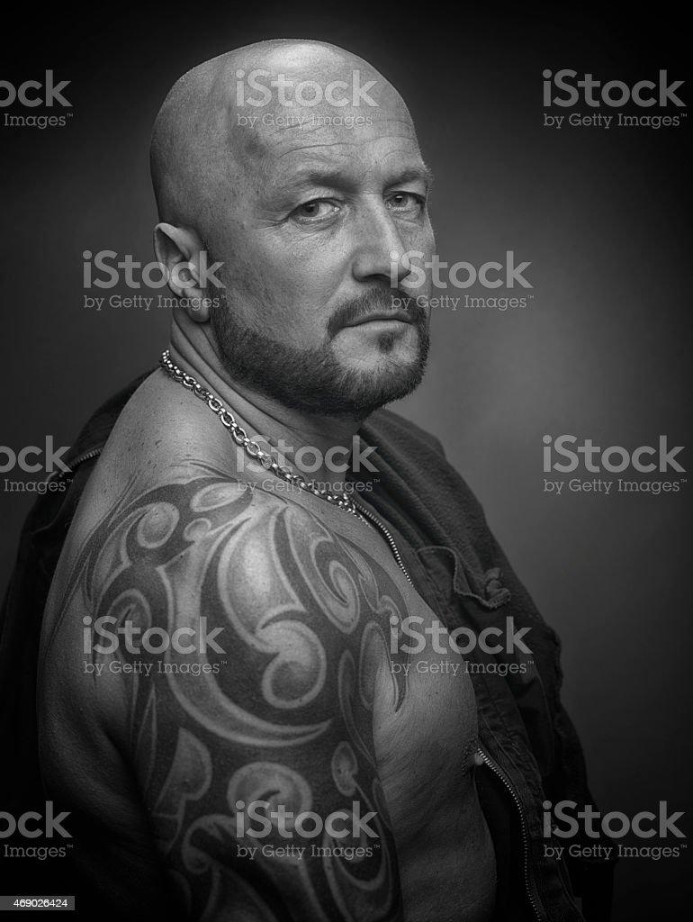 Crane Rase Homme Avec Tatouage Noir Et Blanc Photos Et Plus D