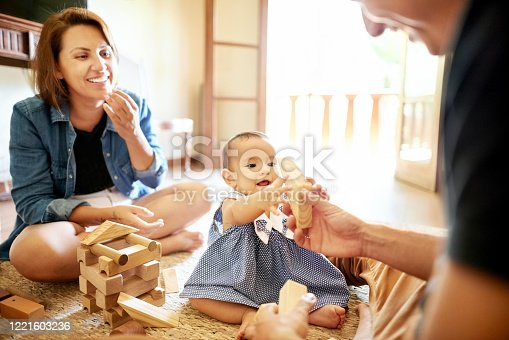 872316662 istock photo She is learning to recognize shapes 1221603236