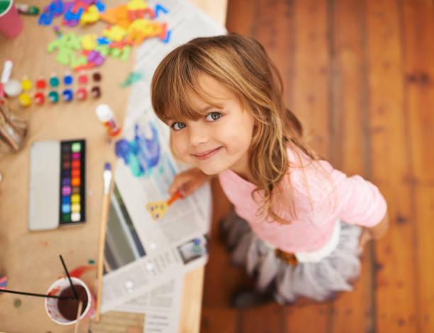 sie liebt, köstlichen - naive malerei stock-fotos und bilder