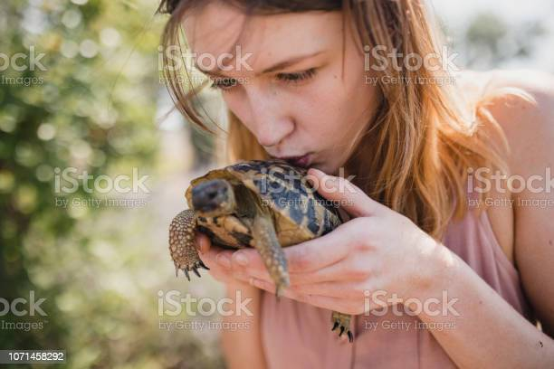 She loves wildlife picture id1071458292?b=1&k=6&m=1071458292&s=612x612&h=puwuof5lwdgld8hzubbztnicmdallgvxq43nbjhk8 4=