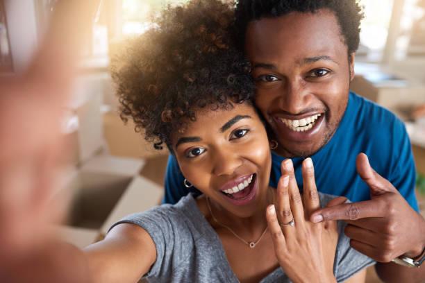 hon sa ja! - förlovningsring bildbanksfoton och bilder