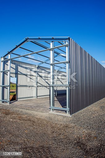 Building a large steel shed
