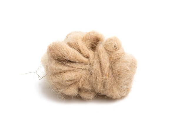 schapenwol geïsoleerd - wollig stockfoto's en -beelden