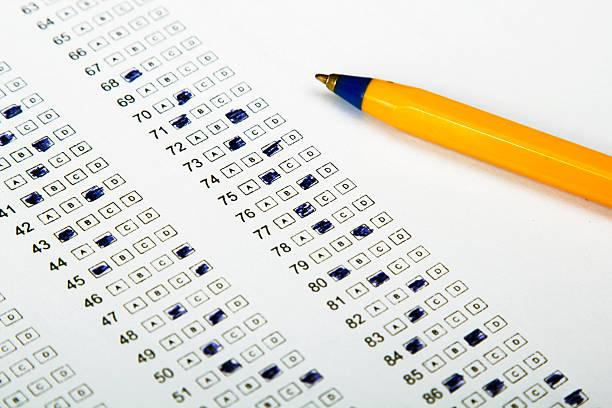 sheet test, geringe tiefenschärfe - multiple intelligenz umfrage stock-fotos und bilder