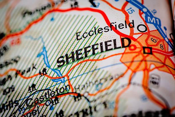 sheffield city auf einer straßenkarte - sheffield stock-fotos und bilder