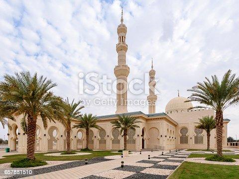istock Sheikh Zayed bin Sultan al Nahyan Mosque in Al Ain, Abu Dhabi, United Arab Emirates 657881510