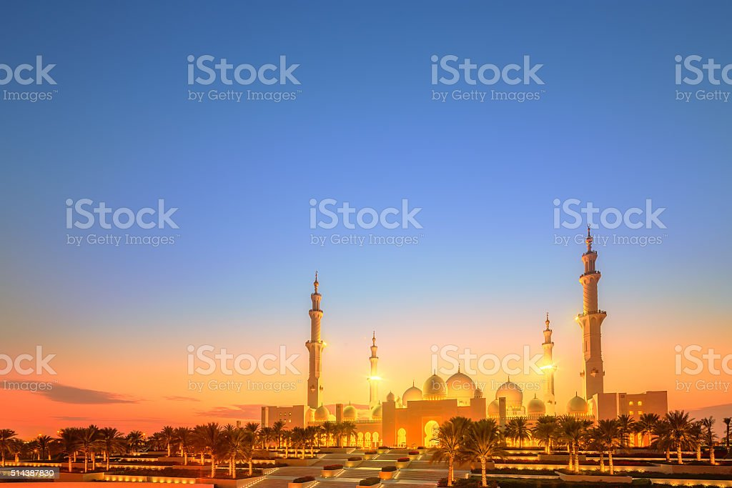 Sheikh Zayed Grand Mosque at dusk, Abu-Dhabi stock photo