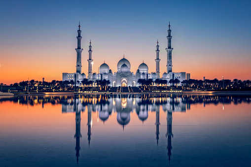 istock Sheikh Zayed Grand Mosque in Abu Dhabi 917332264