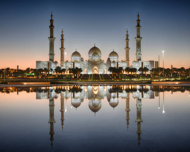 Sheikh Zayed Grand Mosque Images of Sheikh Zayed Grand Mosque during different times of the day grand mosque stock pictures, royalty-free photos & images
