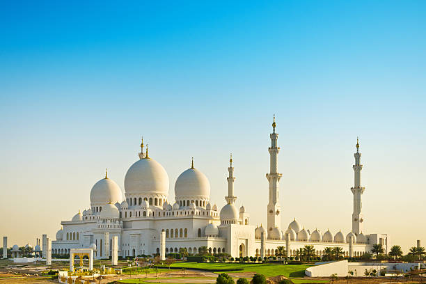 Sheikh Zayed Mosque in Abu Dhabi famous Grand Mosque or Sheikh Zayed Mosque is a mosque which is located in Abu Dhabi, the capital of the United Arab Emirates. grand mosque stock pictures, royalty-free photos & images