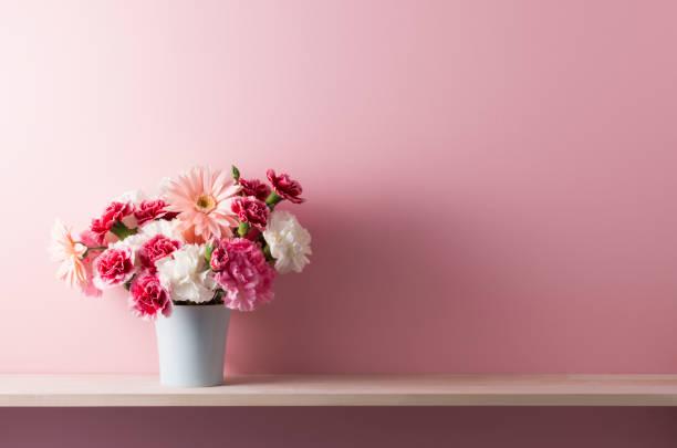Shelf accessories and pink walls picture id656615630?b=1&k=6&m=656615630&s=612x612&w=0&h=rvzw2l7vp74vmbt4g5detds3 dljm55fxywqsgmipts=