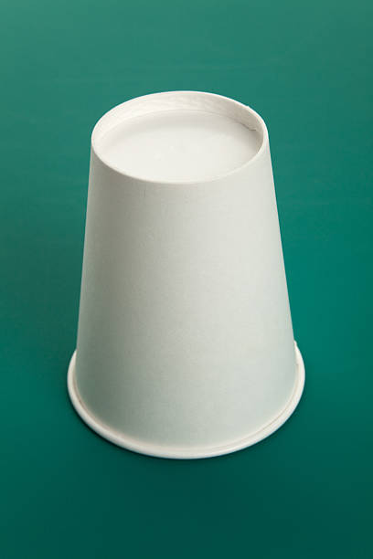 Shell game White paper cup, Shell game scam shell game stock pictures, royalty-free photos & images